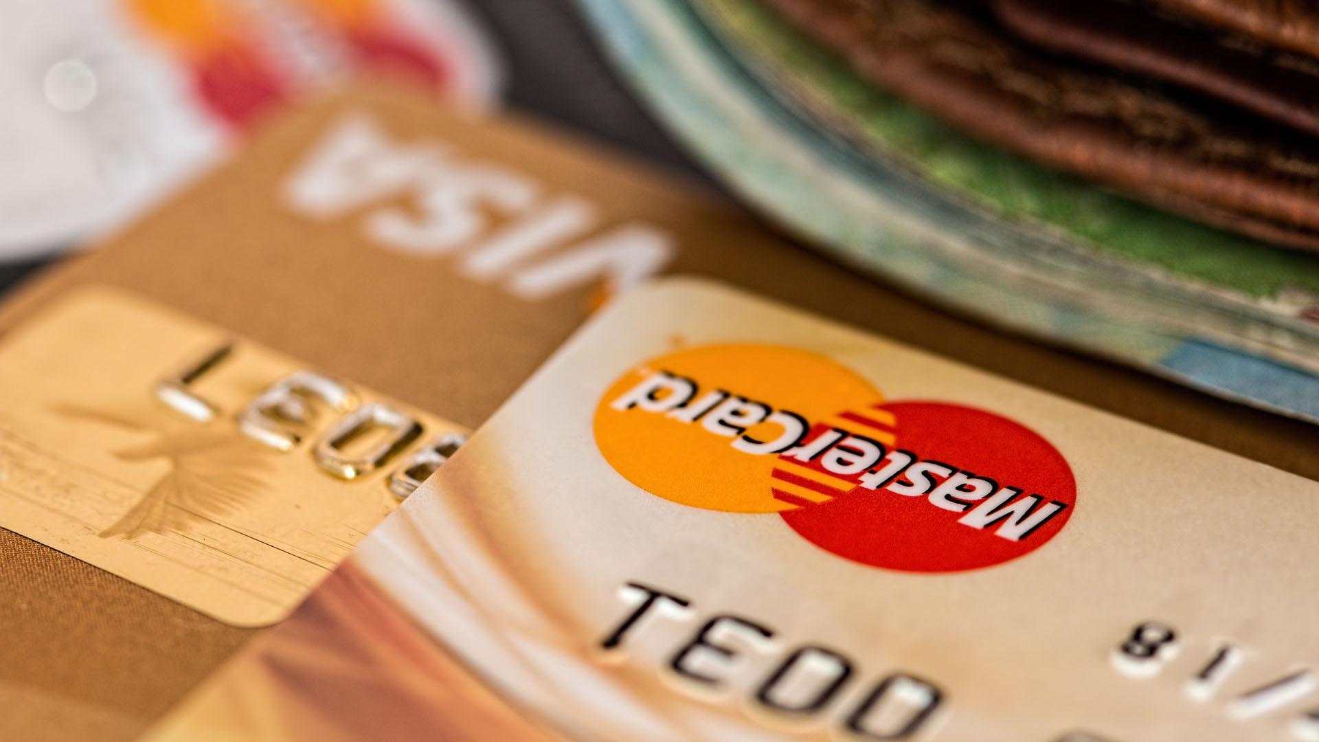 Néo-banque, compte sans banque : dépôt de chèque et d'espèces.