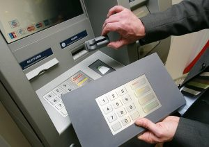 skimmer carte bancaire chiffre en relief