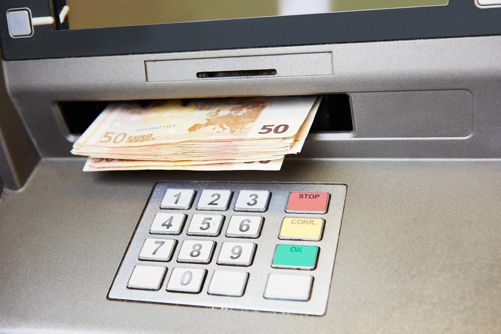 Où retirer de l'argent avec ma carte Veritas?