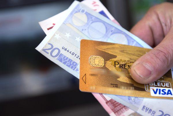 Principe et fonctionnement d'une carte bancaire rechargeable